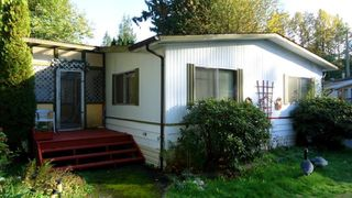 "Photo 1: 205 1830 MAMQUAM Road in Squamish: Garibaldi Estates Manufactured Home for sale in ""TIMBERTOWN"" : MLS®# R2008775"
