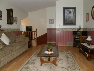 Photo 3: 20075 CYPRESS Street in Hope: Hope Silver Creek House for sale : MLS®# R2034293