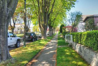 "Photo 15: 65 E 40TH Avenue in Vancouver: Main House for sale in ""Main Street"" (Vancouver East)  : MLS®# R2050054"