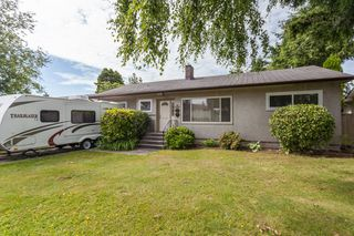 Main Photo: 15422 PACIFIC Avenue: White Rock House for sale (South Surrey White Rock)  : MLS®# R2082792