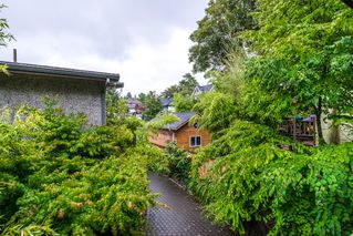 "Photo 12: 1559 E 20TH Avenue in Vancouver: Knight House for sale in ""GIBSON CLOSE"" (Vancouver East)  : MLS®# R2089733"