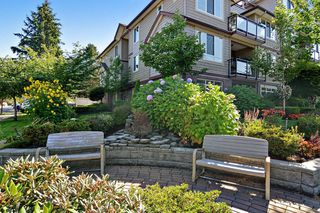 "Photo 3: 301 15368 17A Avenue in Surrey: King George Corridor Condo for sale in ""OCEAN WYNDE"" (South Surrey White Rock)  : MLS®# R2098503"