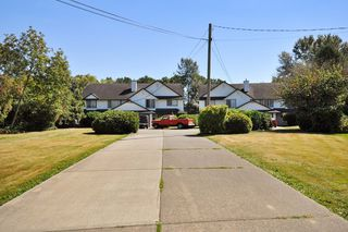 Photo 1: 2 1 - 45328 PARK Drive in Chilliwack: Chilliwack W Young-Well House Duplex for sale : MLS®# R2101852