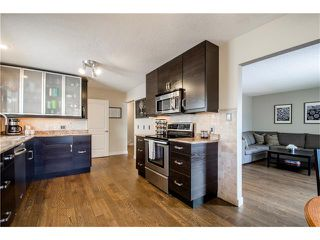 Photo 8: 5516 SILVERDALE Drive NW in Calgary: Silver Springs House for sale : MLS®# C4098908