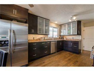 Photo 10: 5516 SILVERDALE Drive NW in Calgary: Silver Springs House for sale : MLS®# C4098908