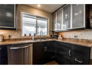 Photo 9: 5516 SILVERDALE Drive NW in Calgary: Silver Springs House for sale : MLS®# C4098908