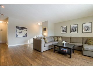 Photo 6: 5516 SILVERDALE Drive NW in Calgary: Silver Springs House for sale : MLS®# C4098908