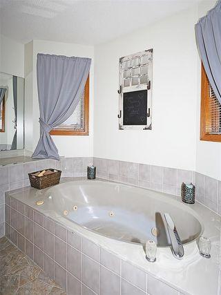 Photo 17: 359 HAWKCLIFF Way NW in Calgary: Hawkwood House for sale : MLS®# C4116388