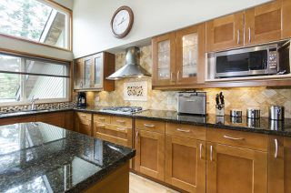 Photo 8: 5660 PTARMIGAN Place in North Vancouver: Grouse Woods House for sale : MLS®# R2165721