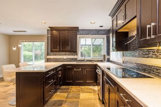 Photo 5: 16897 83A Avenue in Surrey: Fleetwood Tynehead House for sale : MLS®# R2172476