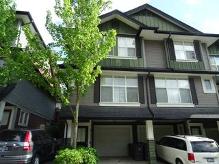 Photo 2: 61 18199 70 AVENUE in Surrey: Cloverdale BC Townhouse for sale (Cloverdale)  : MLS®# R2169999