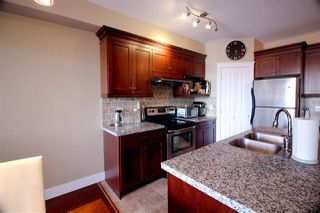 Photo 3: 202 7908 GRAHAM Avenue in Burnaby: East Burnaby Townhouse for sale (Burnaby East)  : MLS®# R2189612