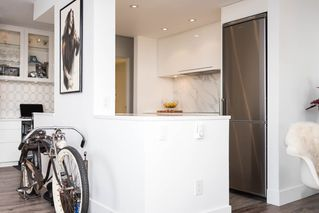 "Photo 4: 204 444 LONSDALE Avenue in North Vancouver: Lower Lonsdale Condo for sale in ""Royal Kensington"" : MLS®# R2193897"