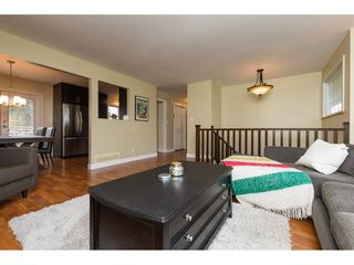 Photo 4: 15721 RUSSELL Avenue: White Rock House for sale (South Surrey White Rock)  : MLS®# R2246599