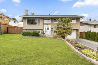 Photo 1: 15721 RUSSELL Avenue: White Rock House for sale (South Surrey White Rock)  : MLS®# R2246599