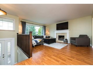 Photo 2: 15721 RUSSELL Avenue: White Rock House for sale (South Surrey White Rock)  : MLS®# R2246599