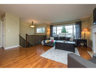 Photo 3: 15721 RUSSELL Avenue: White Rock House for sale (South Surrey White Rock)  : MLS®# R2246599