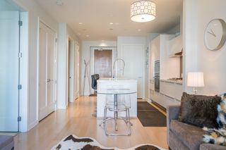 "Photo 8: 511 1633 ONTARIO Street in Vancouver: False Creek Condo for sale in ""KAYAK"" (Vancouver West)  : MLS®# R2257979"