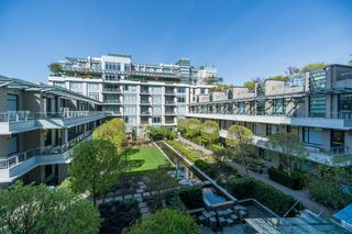 "Photo 18: 511 1633 ONTARIO Street in Vancouver: False Creek Condo for sale in ""KAYAK"" (Vancouver West)  : MLS®# R2257979"