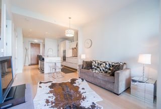 "Photo 9: 511 1633 ONTARIO Street in Vancouver: False Creek Condo for sale in ""KAYAK"" (Vancouver West)  : MLS®# R2257979"