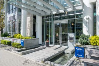 "Photo 1: 511 1633 ONTARIO Street in Vancouver: False Creek Condo for sale in ""KAYAK"" (Vancouver West)  : MLS®# R2257979"