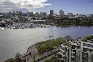 Photo 1: 1502 1228 MARINASIDE CRESCENT in Vancouver: Yaletown Condo for sale (Vancouver West)  : MLS®# R2255871
