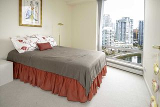 Photo 13: 1502 1228 MARINASIDE CRESCENT in Vancouver: Yaletown Condo for sale (Vancouver West)  : MLS®# R2255871