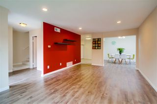 Photo 3: CLAIREMONT Townhome for sale : 3 bedrooms : 5528 Caminito Katerina in San Diego