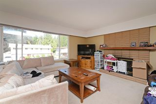 Photo 3: 3292 NORFOLK Street in Port Coquitlam: Lincoln Park PQ House for sale : MLS®# R2285786