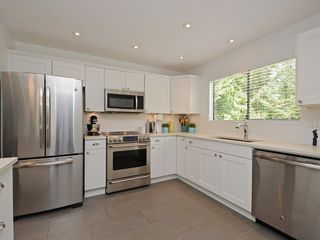 Photo 7: 1979 WADDELL Avenue in Port Coquitlam: Lower Mary Hill House for sale : MLS®# R2301376