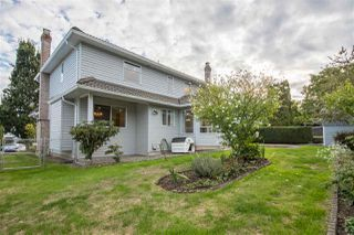 "Photo 19: 19041 62 Avenue in Surrey: Cloverdale BC House for sale in ""Cloverdale Hilltop"" (Cloverdale)  : MLS®# R2307623"