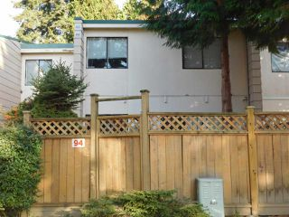 """Photo 2: 94 10505 153 Street in Surrey: Guildford Townhouse for sale in """"Guildford Mews"""" (North Surrey)  : MLS®# R2317019"""