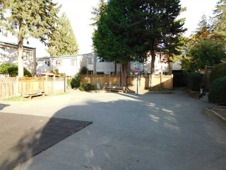 """Photo 4: 94 10505 153 Street in Surrey: Guildford Townhouse for sale in """"Guildford Mews"""" (North Surrey)  : MLS®# R2317019"""