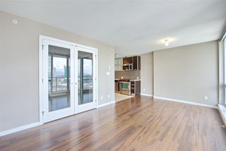 "Photo 5: 1810 9981 WHALLEY Boulevard in Surrey: Whalley Condo for sale in ""Park Ave"" (North Surrey)  : MLS®# R2322900"