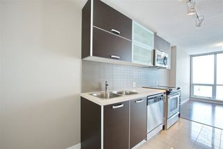 """Photo 7: 1810 9981 WHALLEY Boulevard in Surrey: Whalley Condo for sale in """"Park Ave"""" (North Surrey)  : MLS®# R2322900"""