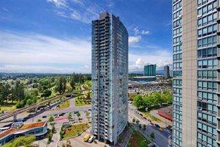 "Photo 11: 1810 9981 WHALLEY Boulevard in Surrey: Whalley Condo for sale in ""Park Ave"" (North Surrey)  : MLS®# R2322900"