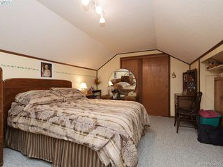 Photo 13: 415 Terrahue Road in VICTORIA: Co Wishart South Single Family Detached for sale (Colwood)  : MLS®# 404223