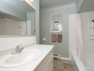 Photo 11: 415 Terrahue Road in VICTORIA: Co Wishart South Single Family Detached for sale (Colwood)  : MLS®# 404223