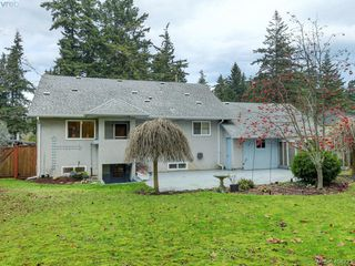 Photo 19: 415 Terrahue Road in VICTORIA: Co Wishart South Single Family Detached for sale (Colwood)  : MLS®# 404223