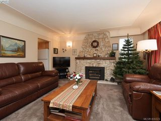 Photo 4: 415 Terrahue Road in VICTORIA: Co Wishart South Single Family Detached for sale (Colwood)  : MLS®# 404223