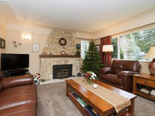 Photo 2: 415 Terrahue Road in VICTORIA: Co Wishart South Single Family Detached for sale (Colwood)  : MLS®# 404223