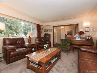 Photo 3: 415 Terrahue Road in VICTORIA: Co Wishart South Single Family Detached for sale (Colwood)  : MLS®# 404223