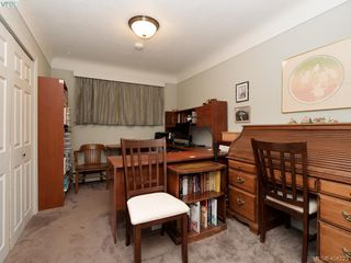 Photo 10: 415 Terrahue Road in VICTORIA: Co Wishart South Single Family Detached for sale (Colwood)  : MLS®# 404223