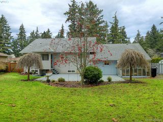 Photo 20: 415 Terrahue Road in VICTORIA: Co Wishart South Single Family Detached for sale (Colwood)  : MLS®# 404223