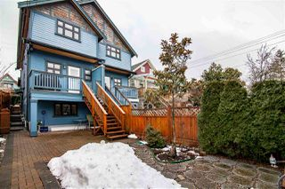 "Photo 20: 1586 E 11TH Avenue in Vancouver: Grandview VE House 1/2 Duplex for sale in ""THE DRIVE"" (Vancouver East)  : MLS®# R2343494"