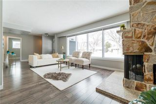 Photo 5: 946 Beaverbrook Street in Winnipeg: River Heights South Residential for sale (1D)  : MLS®# 1904469
