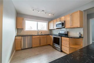Photo 7: 946 Beaverbrook Street in Winnipeg: River Heights South Residential for sale (1D)  : MLS®# 1904469