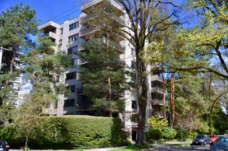 "Photo 1: 302 1685 W 14TH Avenue in Vancouver: Fairview VW Condo for sale in ""TOWN VILLA"" (Vancouver West)  : MLS®# R2359239"