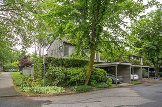 """Main Photo: 4784 LAURELWOOD Place in Burnaby: Greentree Village Townhouse for sale in """"GREENTREE VILLAGE"""" (Burnaby South)  : MLS®# R2375023"""