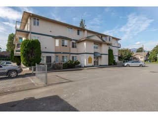 "Photo 1: 16 46160 PRINCESS Avenue in Chilliwack: Chilliwack E Young-Yale Condo for sale in ""ARCADIA ARMS"" : MLS®# R2401789"